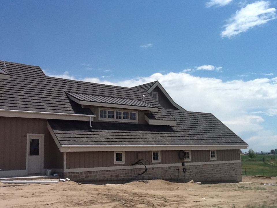 new house with new faux shake roof from DECRA® Shake XD®